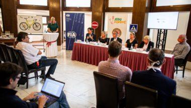 1. 9. Tisková konference - představení projektu Jedu poprvé